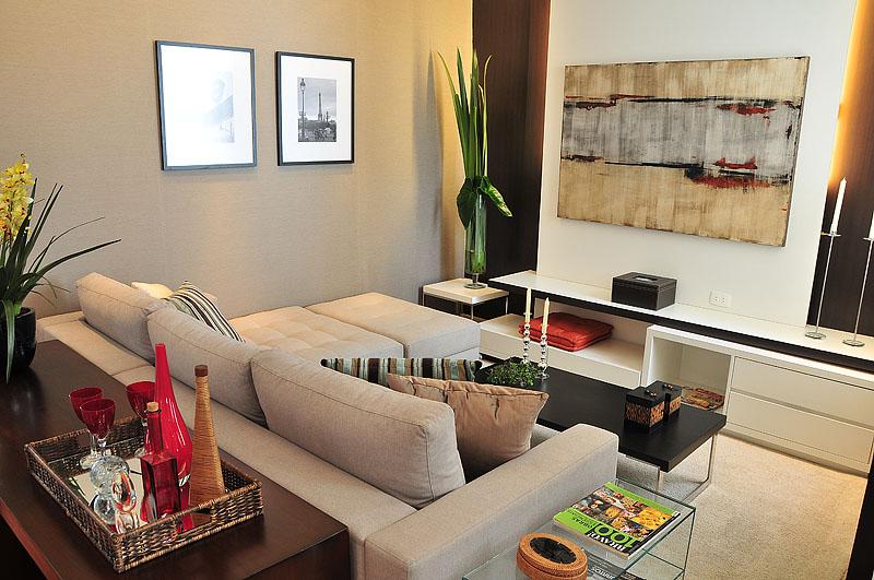Ambientes decorados sob medida: sua sala de estar com aparador, pufe, sofa, rack, poltrona, mesa de centro, mesa lateral e muito mais.